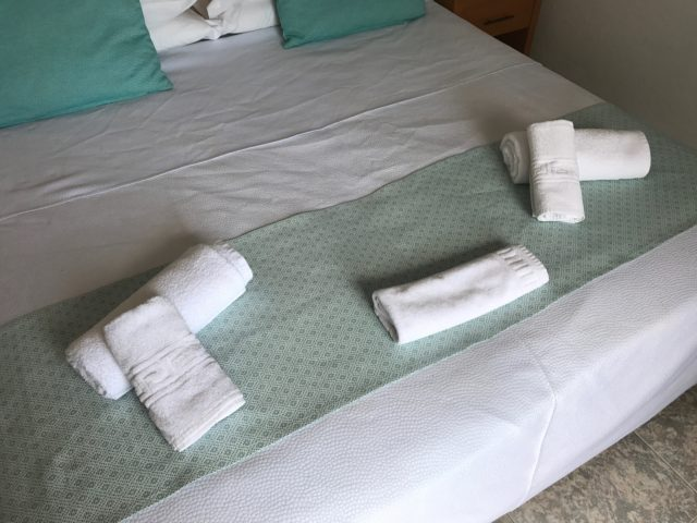 Hotel Bed And Towels Hospitality Welcome