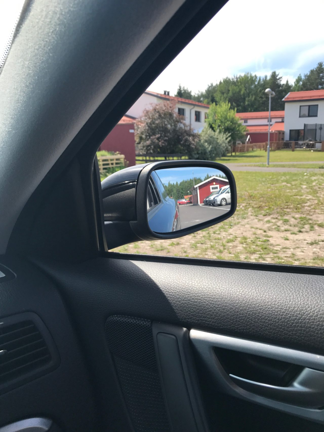 Volvo Car Rear View Window Reflection
