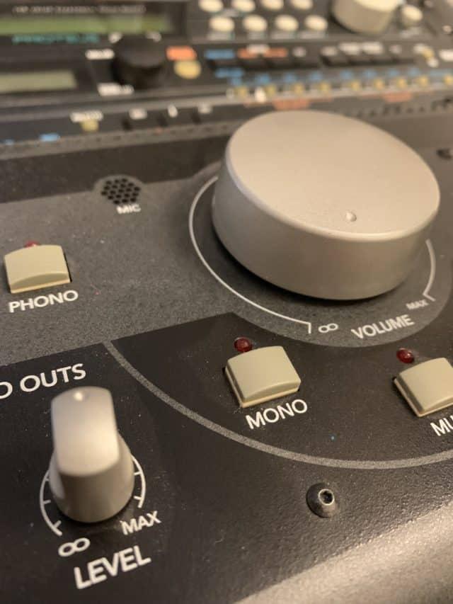 Music Studio Monitor Volume Level Controller
